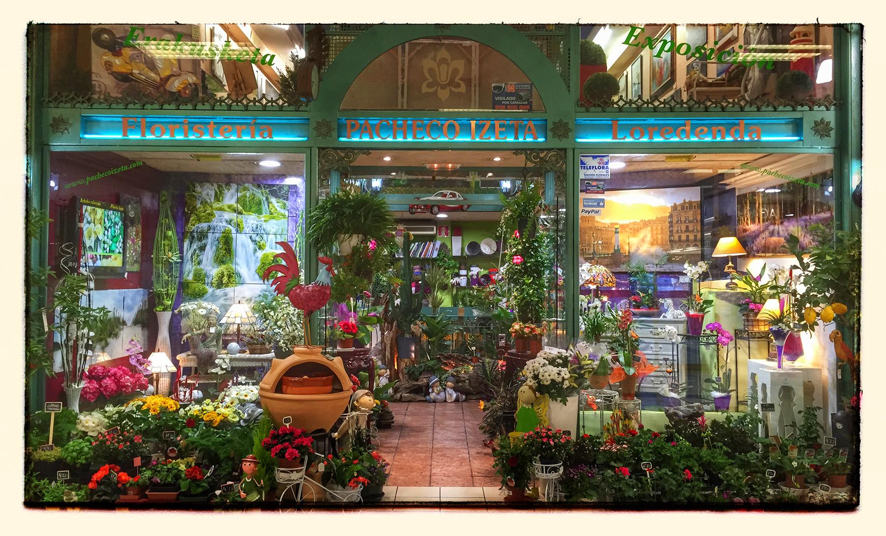 Gran variedad de flores naturales y artificiales